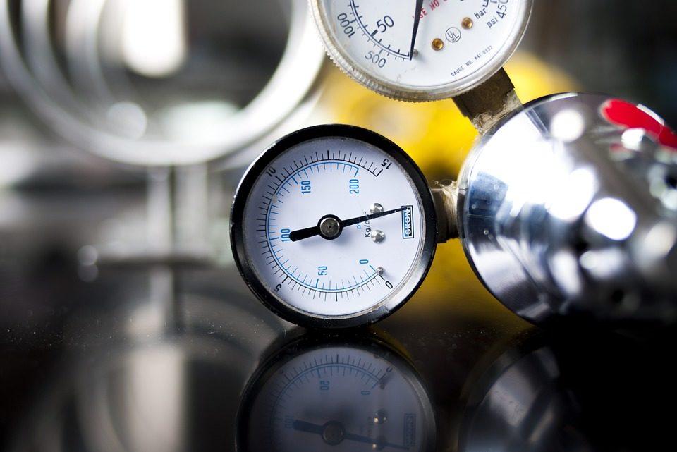 Come si misura la pressione degli pneumatici? Col manometro!