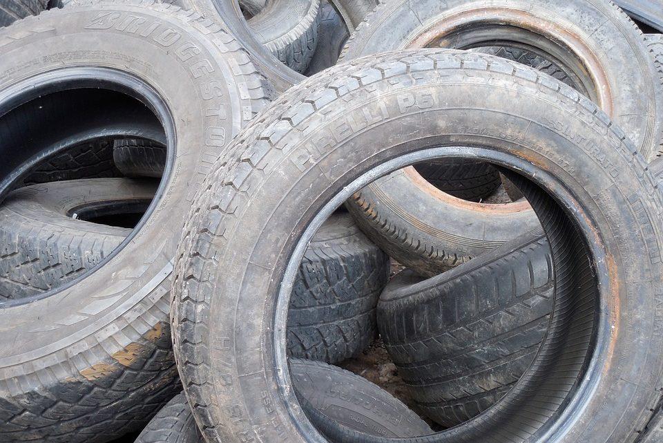 Furto di pneumatici: 5 suggerimenti furbi per evitarlo