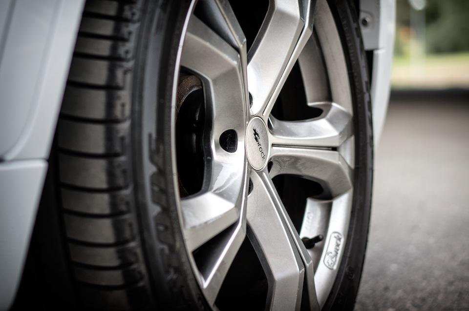 Acquisto online degli pneumatici: quanto conviene davvero?
