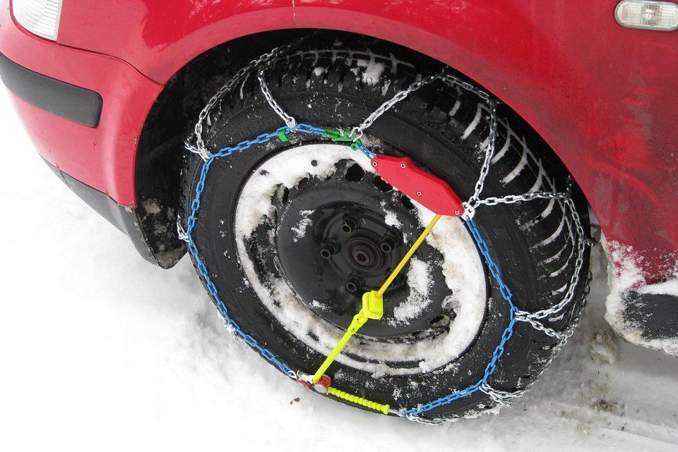 Come montare le catene da neve: guida per principianti