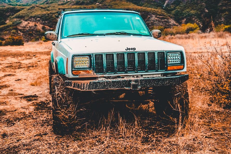 Come togliere la macchina dal fango: strategie molto furbe