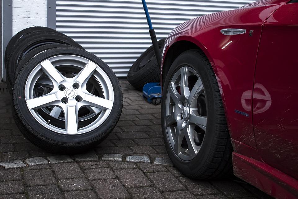 Cos'è il kit di riparazione delle gomme auto e come funziona