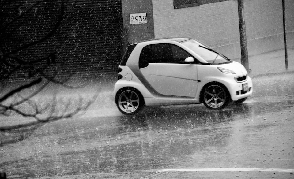 Gomme invernali o estive: quali usare in caso di pioggia?