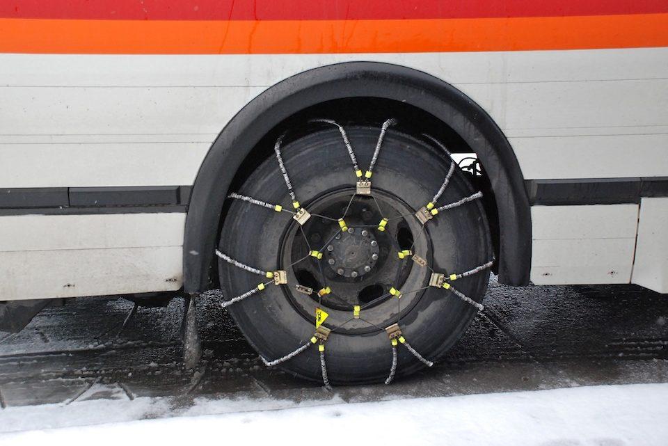 Catene da neve: qual è la velocità massima con cui si può procedere?