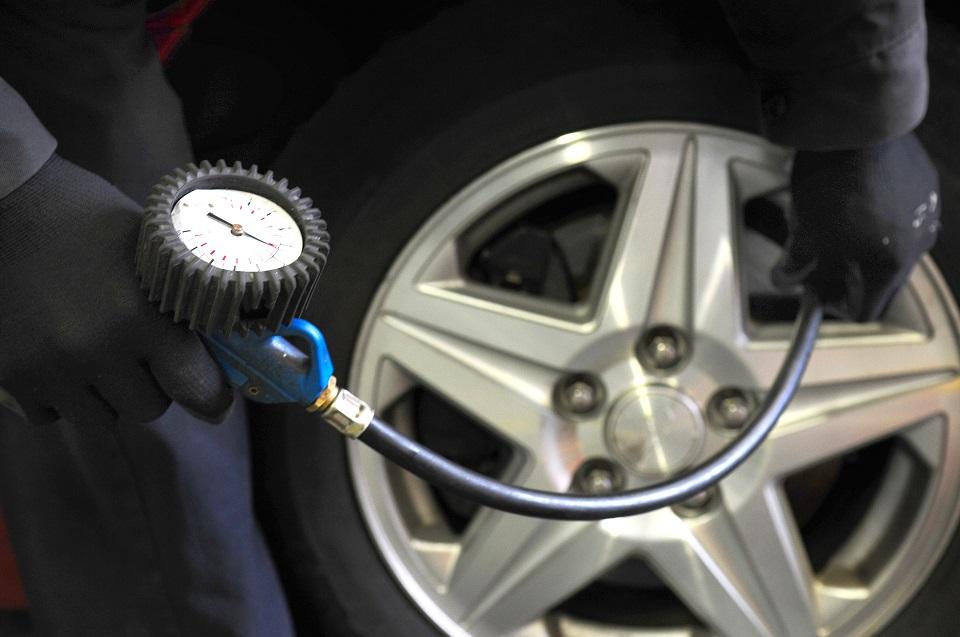 Come far durare più a lungo le gomme auto: consigli utili